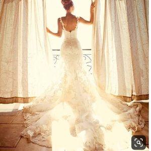 ENZOANI   Diana Wedding Dress + Ivory Bridal Sash